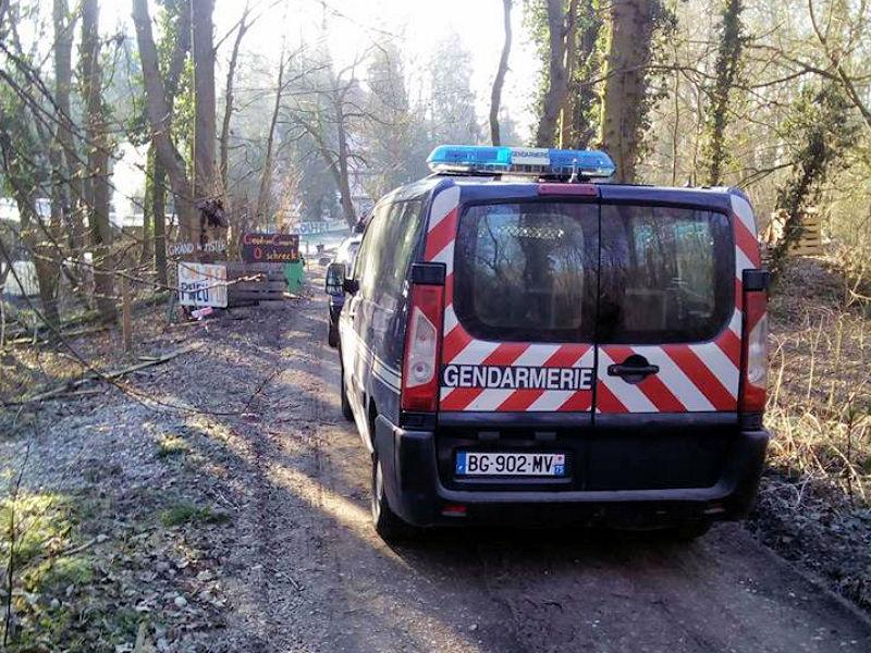 gendarmes sur zone